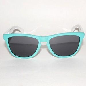 d22a1540b4 Oakley Accessories - Oakley Frogskins 24-417 55.17 133 Seafoam White